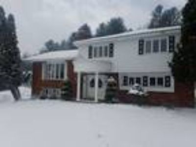 Four BR/3.One BA Property in Montpelier, VT