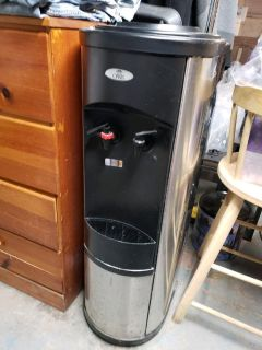 Oasis Water Cooler (hot and cold)