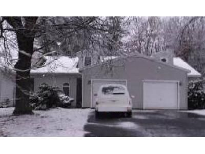 2 Bed 2 Bath Foreclosure Property in Schenectady, NY 12303 - Antoinette Ct