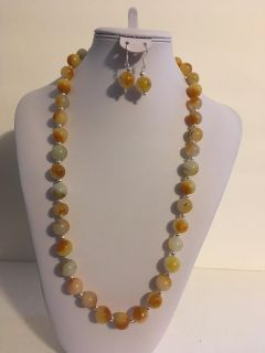 Gorgeous REAL Chunky Yellow and White Jade and Silver Tone Bead Gemstone Statement Necklace