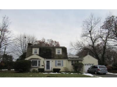 3 Bed 1.5 Bath Foreclosure Property in West Hartford, CT 06110 - Barton St