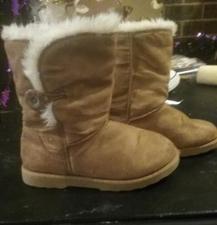 Kids boots size 13