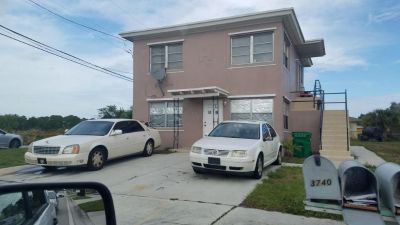 2 bedroom in Riviera Beach
