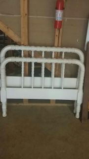 Antique Spool Bed -Twin