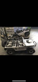 Axial SCX Jeep JK Rubicon RC Car RockCrawler complete with box & all extra parts & extras, Ran 3/4 times Like Brand New Condition