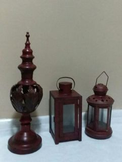 (3) MATCHING DECORATIVE ACCENTS.....EXCELLENT CONDITION