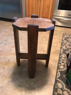 Plant stand or small table