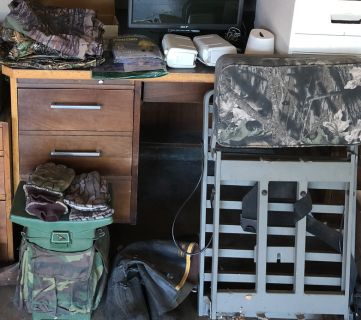 Misc hunting items: Tree stand, seat, rain gear, gloves