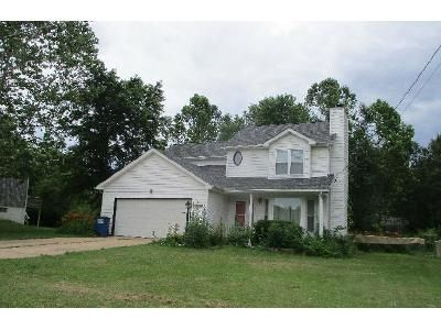 3 Bed 2.5 Bath Foreclosure Property in Pacific, MO 63069 - Erik Ln
