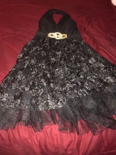 Women formal David bridal gown size 4