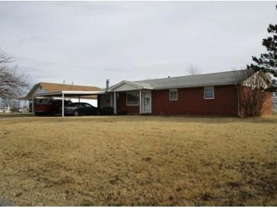 4 Bed 2 Bath Foreclosure Property in Cordell, OK 73632 - N Market St