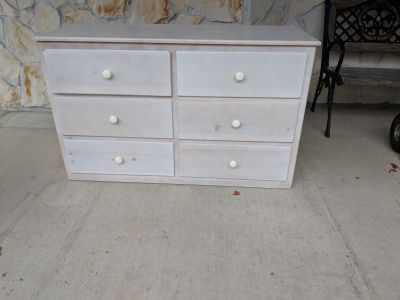 Free six drawer dresser.