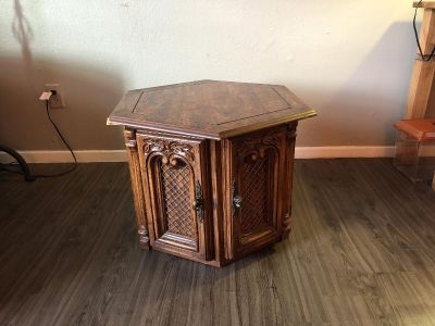 Wooden End Table With Hidden Storage