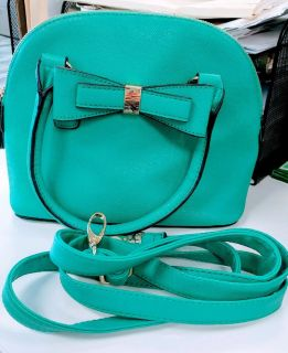 REDUCED!! CUTE TURQUOISE / AQUA APT 9 PURSE WITH HANDLES & STRAP