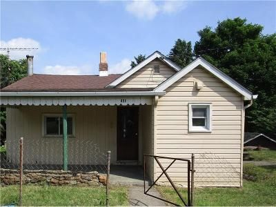 2 Bed 2 Bath Foreclosure Property in New Kensington, PA 15068 - Oates Blvd