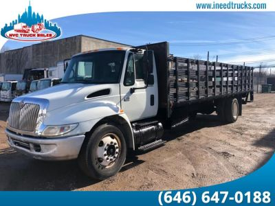 2007 International 4300 FLATBED RACK BODY (White)