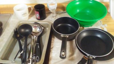 Kitchen items TONS more will be added price stays the same need gone tonight