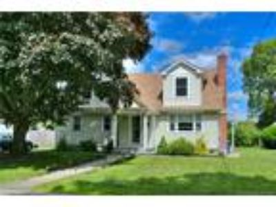Bridgeport Four BR Three BA, Beautifully maintained and updated Cape