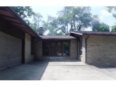 3 Bed 3 Bath Foreclosure Property in Grove City, OH 43123 - Marlane Ct
