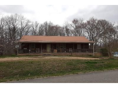 2 Bath Preforeclosure Property in Bloomington Springs, TN 38545 - Union Ridge Ln