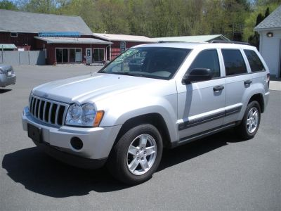 2005 Jeep Grand Cherokee Laredo (Gray)