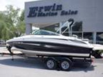 2013 Sea Ray 220 SD