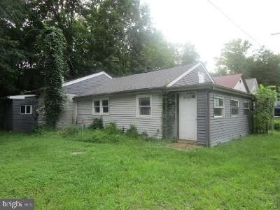2 Bed 1 Bath Foreclosure Property in Pipersville, PA 18947 - Old Easton Rd