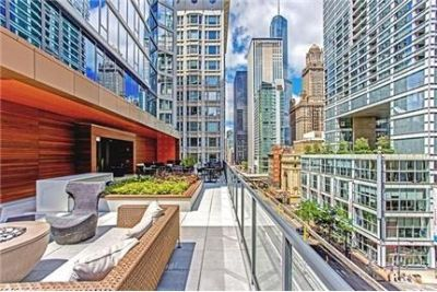 2 bedrooms Apartment - If Chicago winters make you shiver just thinking about them.