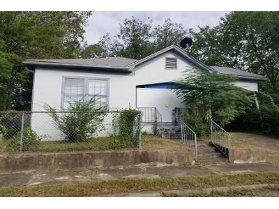 1 Bath Preforeclosure Property in Hot Springs National Park, AR 71901 - Oakcliff St