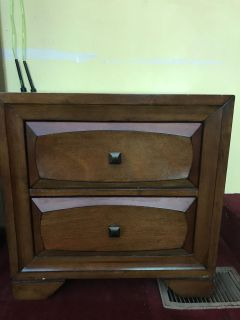 YULEE FL Nightstand Dove tailed drawers great shape