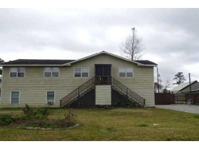 4 Bed 2 Bath Foreclosure Property in La Porte, TX 77571 - Shadylawn St
