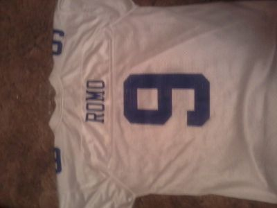 LARGE MINT COND. REEBOK T.ROMO JERSEY WHITE 25$