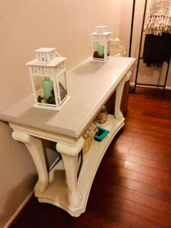 End table or Sofa Table