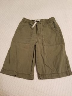Children's Place shorts. green. Size 12. Drawstring.