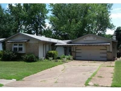 3 Bed 2 Bath Foreclosure Property in Florissant, MO 63033 - Miletus Dr