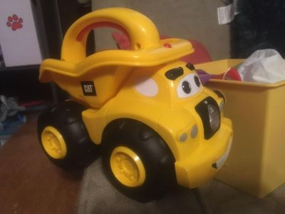 Super cute truck flashlight and makes truck noises