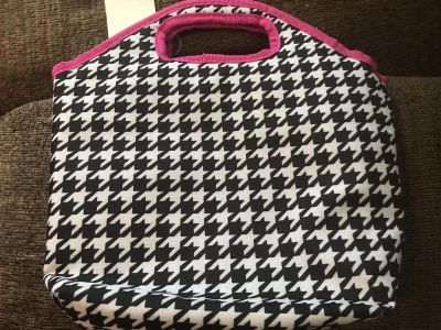 NEW - Insulated Lunch totes