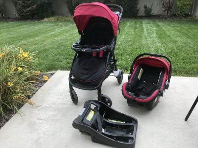 STEP AND GO TRAVEL SYSTEM WITH ONBOARD 35 - SCARLET RED