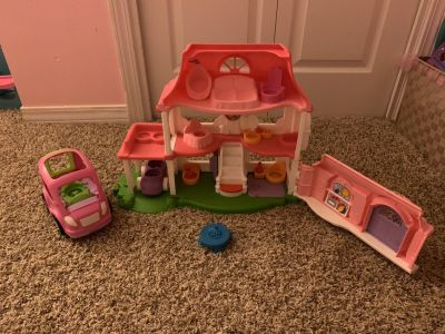 Little people doll house. Great condition m. Ppu pace