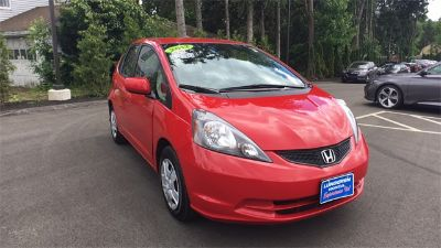 2012 Honda Fit Base (red)