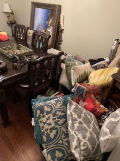 Pre Holiday Open House Furniture, shoes, purses, wallets, jewelry betting home decor and more! Bundle Deals