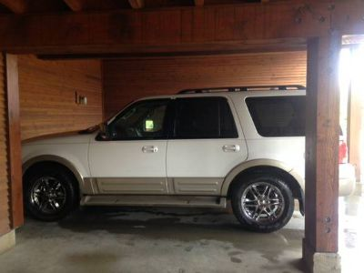 2005 Ford Expedition Eddie Bauer 4x4 in great shape