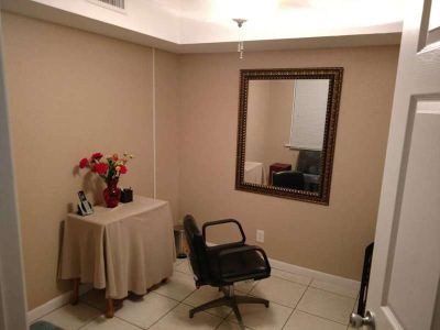$175 / 90ft2 - Salon/Spa Space for Lease $175 Per Week