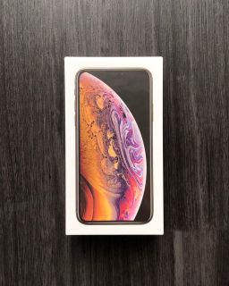 UNOPENED iPhone XS Gold 256 GB