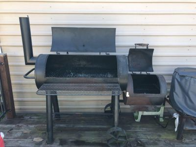 Brinkmann charcoal grill and smoker.