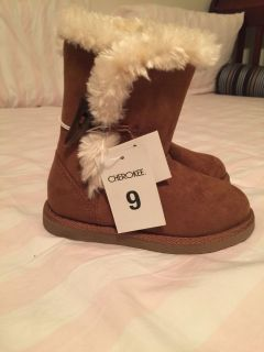 NWT brown boots, size 9