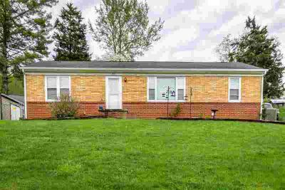 415 Parker Rd Morristown Three BR, nice Three BR home in convenient
