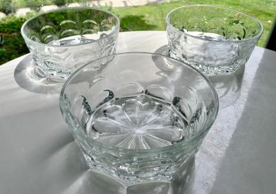 """3 Small Glass Serving Bowls (5 1/2"""")"""