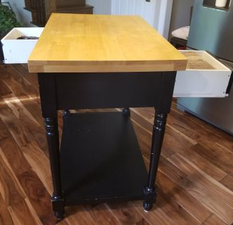 Center island with 2 drawers