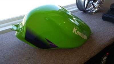 Buy KAWASAKI ZX900 NINJA FUEL TANK , (FITS 98-2003) motorcycle in Troy, Missouri, United States, for US $200.00